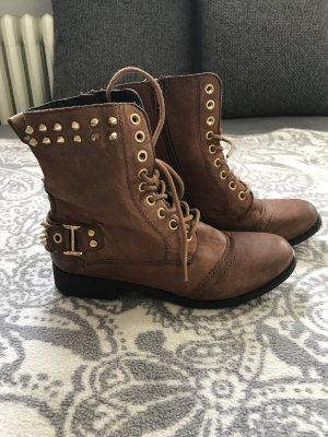 Boots mit Nieten OXMOX