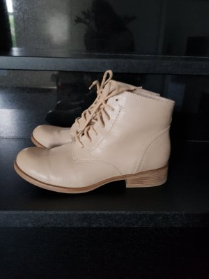 Boots, neuwertig