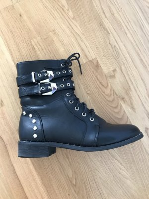 Boots schwarz military style