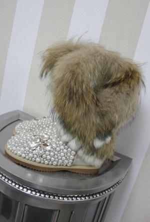 Boots Stiefel Fell Pelz und ganz viele Perlen