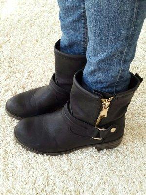 Boots / Stiefel / Flache Stiefeletten Gr. 38