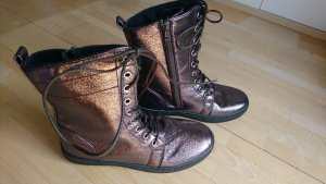 Patucos con cordones marrón-color bronce