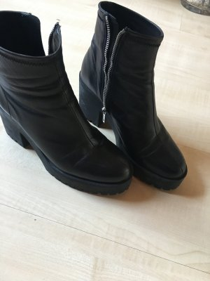 Boots/ Stiefeletten