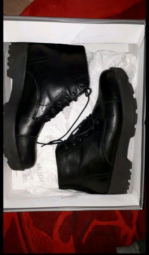Boots Stiefeletten Akira