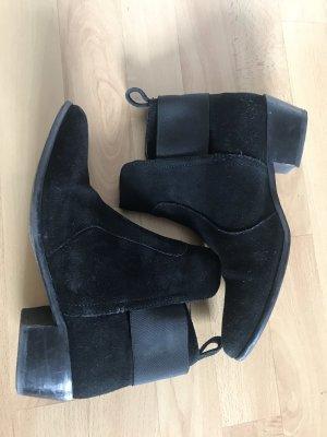 Boots Stiefeletten aus Leder
