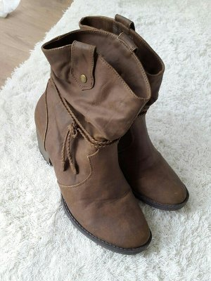 Boots / Stiefeletten braun