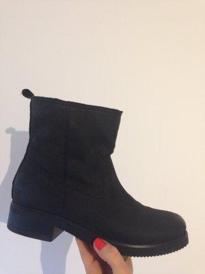 Boots Stiefeletten Stiefel schwarz Leder 40