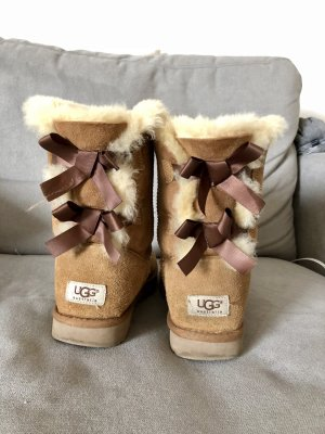 Boots UGG Bailey Bow 2 chestnut Braun uggboots hellbraun Schleife süß warm Winter 38