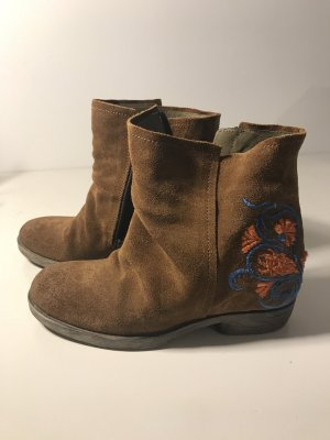 Boots von Fly London