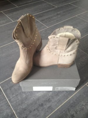 Boots von Janet&Janet