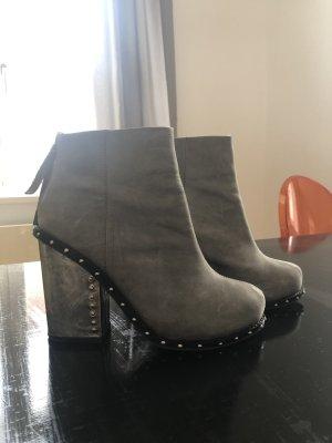 Boots von Jeffrey Campbell
