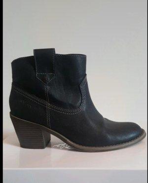 s.Oliver Ankle Boots black