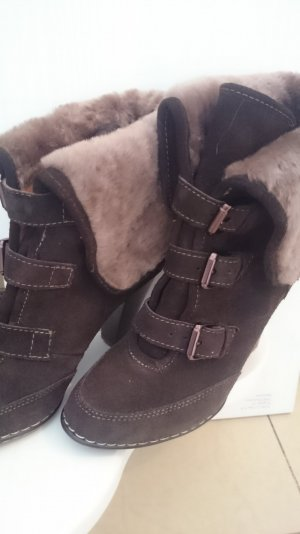 Boots brown