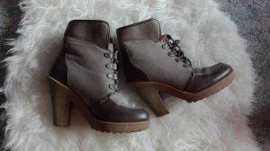 Boots/Winterstiefeletten mit Absatz *TOP ZUSTAND*