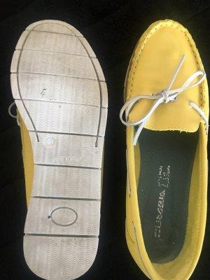 Mocasines amarillo pálido-blanco puro