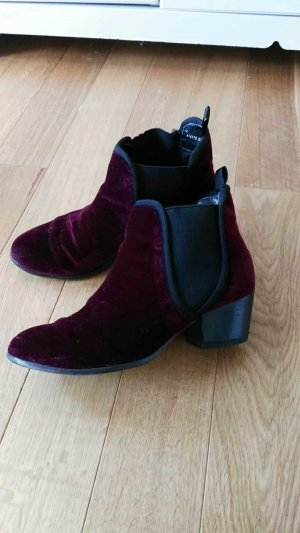 bordeaux/brombeer- rote samt stiefel / stiefeletten