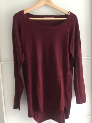 Bordeaux Roter Pullover