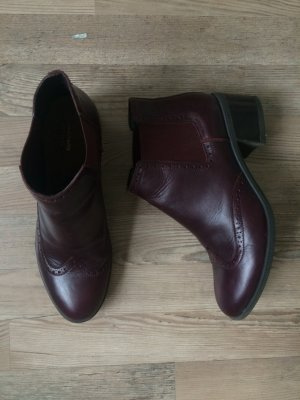 Bordeauxfarbene Ankle Boots