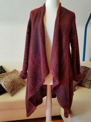 Veste en laine rouge carmin