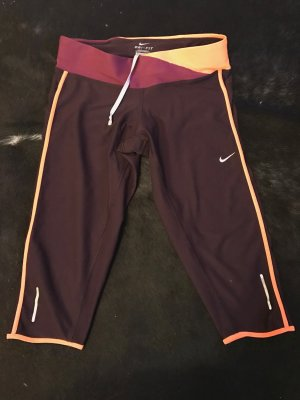 Bordeauxrote Nike Dri-Fit Trainings-Caprihose (Größe S)