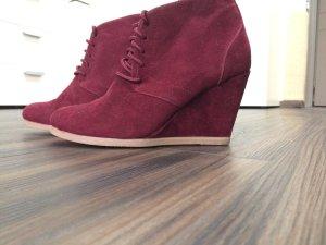 Bordeauxrote Schuhe von Primark
