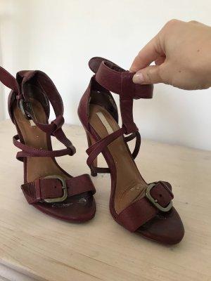 Bordeauxroten Sandaletten von Zara