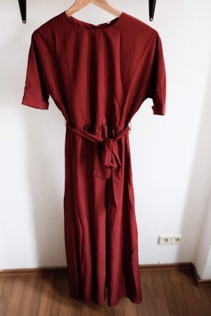 Bordeauxrotes Maxikleid