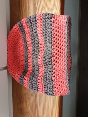 Crochet Cap salmon-khaki