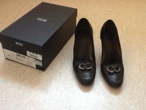 BOSS - Klassische schwarze Lederpumps mit Originalkarton