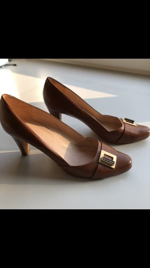 Hugo Boss Pointed Toe Pumps cognac-coloured leather
