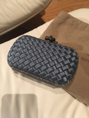Bottega Veneta Clutch in hellblau