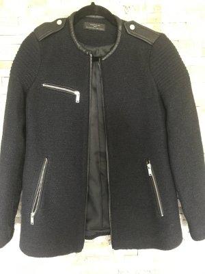 Boucle Jacke Kurzmantel im Bikerstil mit Lederdetails von Zara in xs