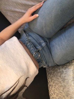 Boyfriend High Waist Jeans mit Gürtel