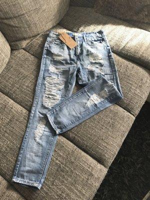 Boyfriend Jeans im angesagten used Look
