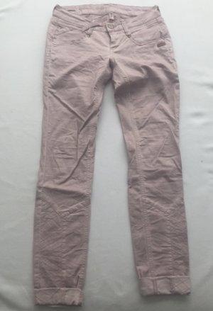 Boyfriend-Jeans in altrosa