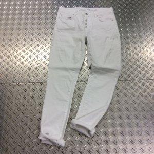 Boyfriend Jeans in reinweiß