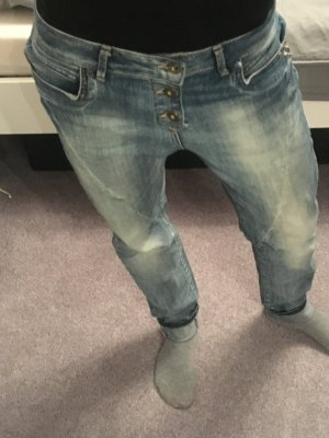Boyfriend-Jeans mit Nieten-Details von Only Gr. 26/32