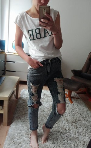 Boyfriend mom Jeans mit Löcher