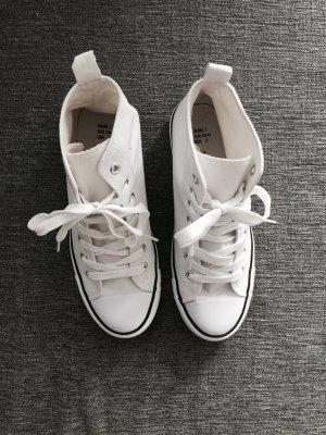 Brand New Chucks white