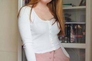 Brandy Melville Langarmshirt Shirt T-Shirt weiß gerippt Knöpfe Longsleeve Knopfleiste weiß creme one size
