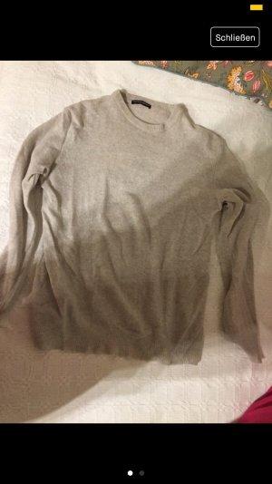 Brandy & Melville Sweater room