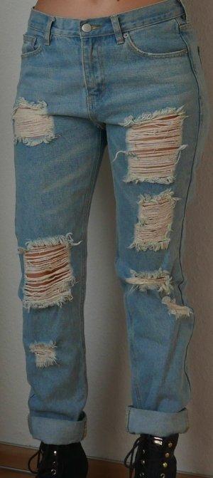 Brandy Melville zerissene Boyfriend Jeans