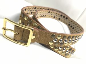 Cinturón de pinchos marrón grisáceo