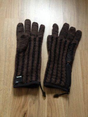 Braun- schwarze Handschuhe von Bench
