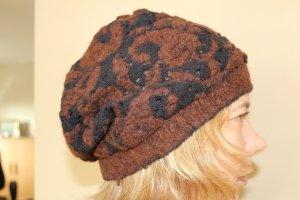 Sombrero de punto negro-marrón
