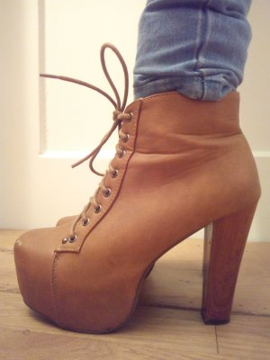 braune Ankle Plateau Boots