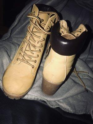 Braune Boots