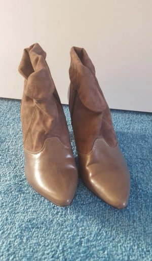 Braune Boots/Pumps