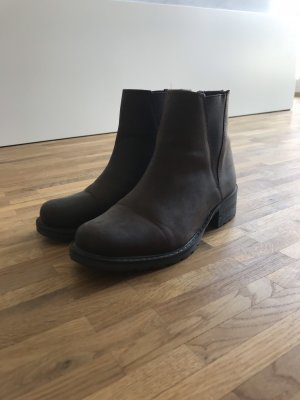 Braune Chelsea Boots