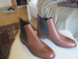 braune chelsea boots